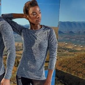 Women's seamless '3D fit' multi-sport performance long sleeve top